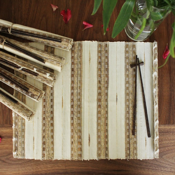 Handmade Set of 6 Vetiver Placemats and Chopsticks (Indonesia)