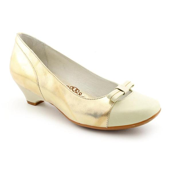 Be Comfortable By Blondo Women's 'Valentine' Leather Dress Shoes - Wide