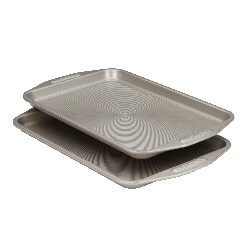 Circulon Grey Carbon Steel Nonstick 2-piece Bakeware Set|https://ak1.ostkcdn.com/images/products/7469393/Circulon-Bakeware-2-piece-Cookie-Sheet-Set-10-x-15-P14917111.jpg?_ostk_perf_=percv&impolicy=medium