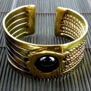 Handmade Brass and Copper Onyx Ethnic Cuff (South Africa)