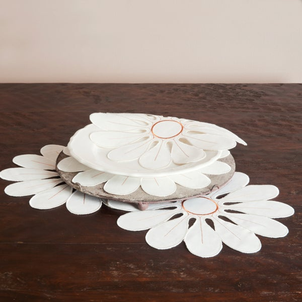 Flower Design Vanilla Doilies (Set of 4)