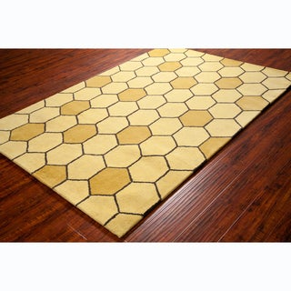 Allie Handmade Honey Comb Design Wool Rug - 5' x 7'6