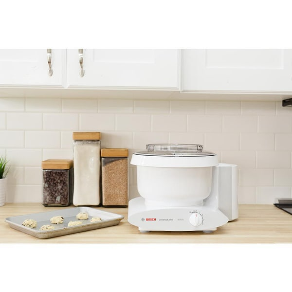 Bosch MUM6N10UC Universal Plus Stand 800 Watt, 6.5 Quarts Mixer with Bowl Scraper, and Cookie Paddles