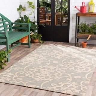 Hand-hooked Galveston Green Indoor/Outdoor Floral Area Rug