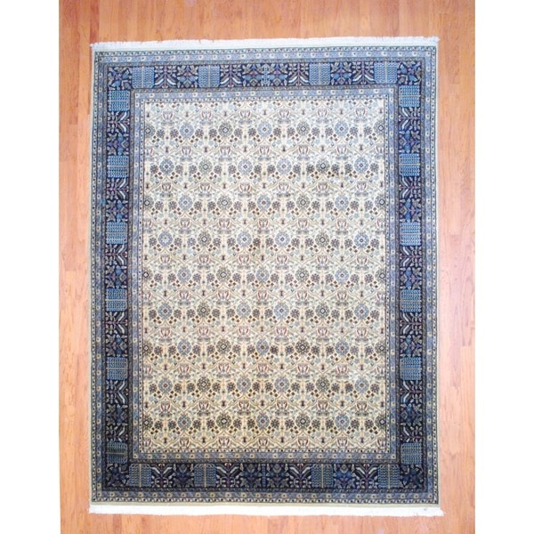 Indo Hand-knotted Mahal Ivory/ Navy Wool Rug (9' x 11'9)