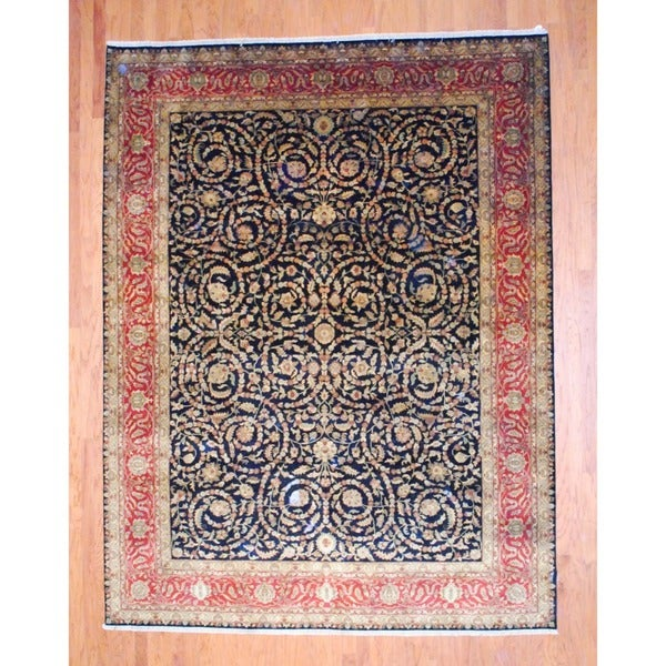 Indo Hand-knotted Isfahan Black/ Rust Wool Rug (8'7 x 11'2)