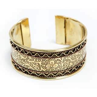 Handmade Copper and Brass Cuff (India)|https://ak1.ostkcdn.com/images/products/7498828/7498828/Copper-and-Brass-Cuff-India-P14941411.jpeg?impolicy=medium