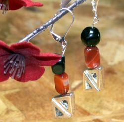 Susen Foster Silverplated 'Pyramids' Carnelian and Onyx Earrings