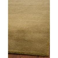 Safavieh Handmade Himalaya Solid Green Wool Area Rug - 6' x 9'