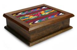 Alder Wood and Cotton 'Maya Ducklings' Tea Box (Guatemala)