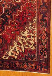 Persian Hand-knotted Red/ Blue Heriz Wool Rug (7'7 x 10'6)