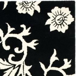 Safavieh Handmade Soho Sillo Black New Zealand Wool Rug (3'6 x 5'6') - Thumbnail 1
