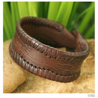 Handcrafted Leather Men's 'Thai Wrap' Bracelet (Thailand)