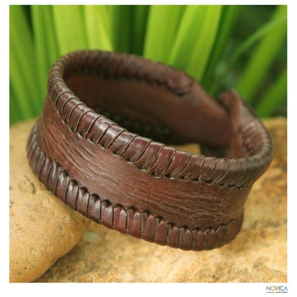 Handmade Leather Men's 'Thai Wrap' Bracelet (Thailand)