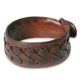 Handcrafted Leather Men's 'Chiang Rai Paths' Bracelet (Thailand)