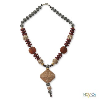 Handcrafted Agate and Ceramic 'African Queen Peace' Necklace (Ghana)