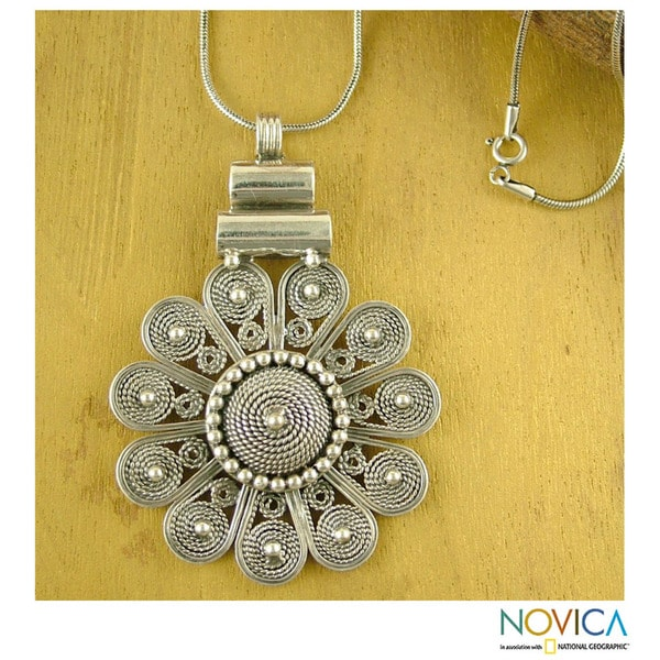 Sterling Silver 'Indian Sun' Necklace (India)