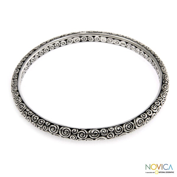 Sterling Silver 'Temple' Large Bangle Bracelet (Indonesia)