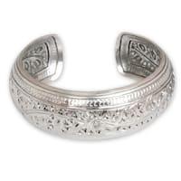 Handmade Sterling Silver 'Hill Tribe Ivy' Bracelet (Thailand)