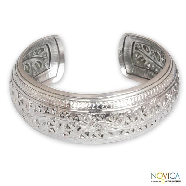 Sterling Silver 'Hill Tribe Ivy' Bracelet (Thailand)