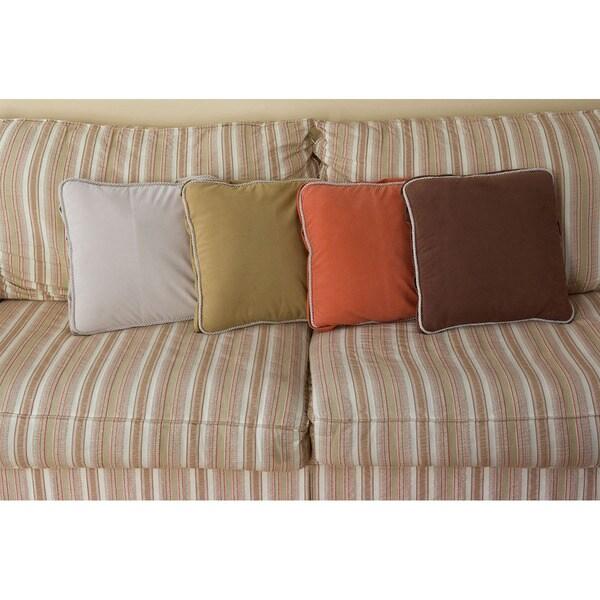 Carolina Pet Ultimate Pillow Throw