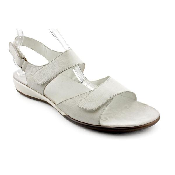 Shop Easy Spirit Women S Hartwell Leather Sandals