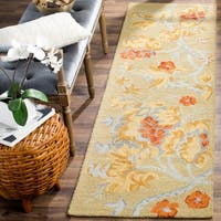 "Safavieh Handmade Blossom Beige Wool Rug - 2'3"" x 11'"