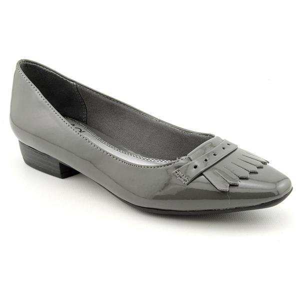 Life Stride Women's 'Flanders' Man-Made Casual Shoes - Wide (Size 7)
