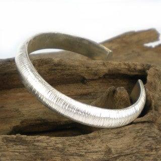 Handmade Vertical Line Weave Thai Karen Fine Silver Cuff (Thailand)