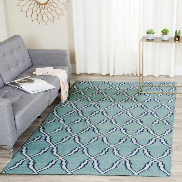 Safavieh Hand-woven Moroccan Reversible Dhurrie Light Blue Wool Rug
