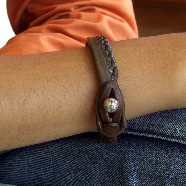 Handmade Men's Leather 'Asian Chic' Bracelet (Thailand)