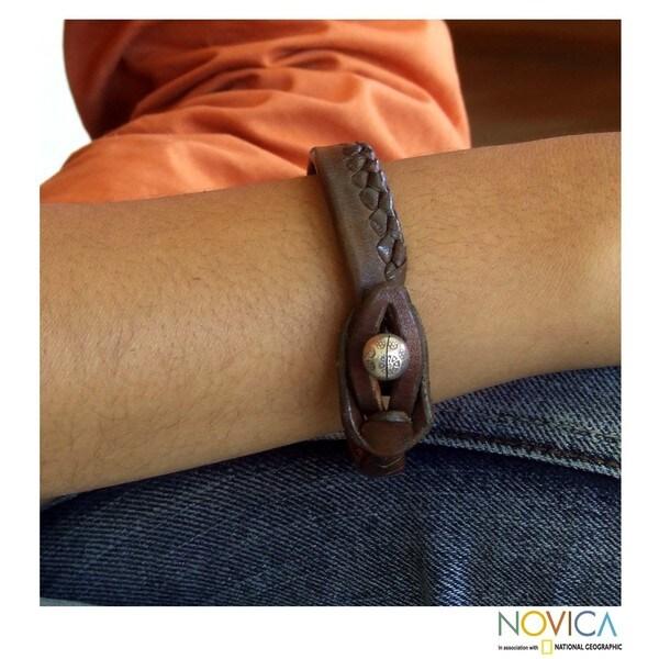 Handmade Men's Leather 'Asian Chic' Bracelet (Thailand)