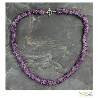 Handcrafted Amethyst 'Lovely Lilacs' Beaded Necklace (24 in) (India)