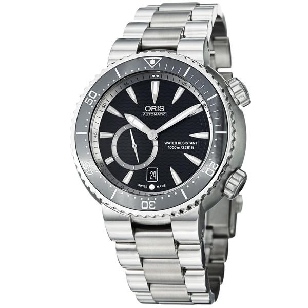 Oris Men's 'TT1 Diver' Black Dial Titanium Bracelet Automatic Watch