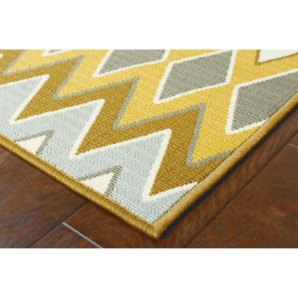 StyleHaven Chevron Grey/Gold Indoor-Outdoor Area Rug