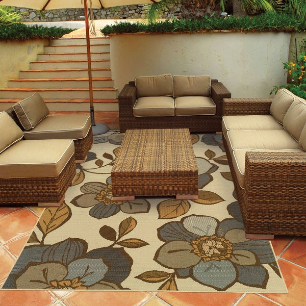 Floral Outdoor/Indoor Ivory/Grey Area Rug