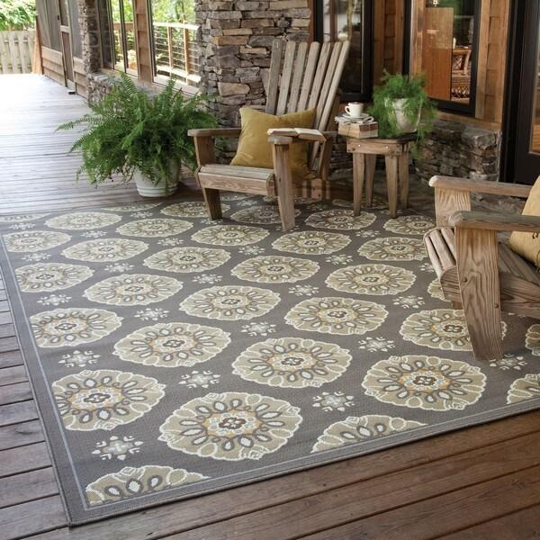 Outdoor/Indoor Grey/Gold Casual Area Rug