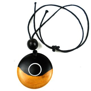 Handmade Two-Tone Ebony Disk with Inlaid White Circle Necklace (Mozambique)
