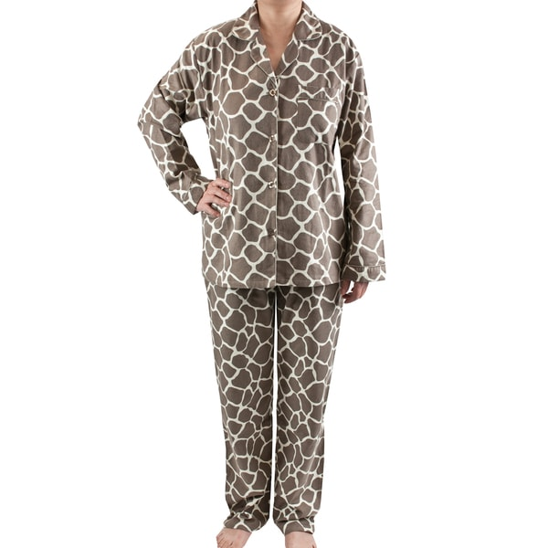 Leisureland Women's Giraffe Print Brushed Cotton Pajama Set