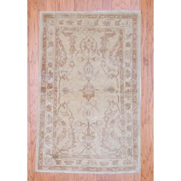 Afghan Hand-knotted Tribal Vegetable Dye Beige/ Light Brown Wool Rug (2'10 x 4'10)