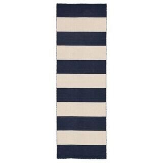 "Mendocino Handmade Stripe Navy/ White Area Rug (2'6"" X 8')"