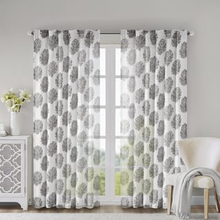 Madison Park Emerson Arabesque Curtain Panel|https://ak1.ostkcdn.com/images/products/7528451/P14965274.jpg?impolicy=medium