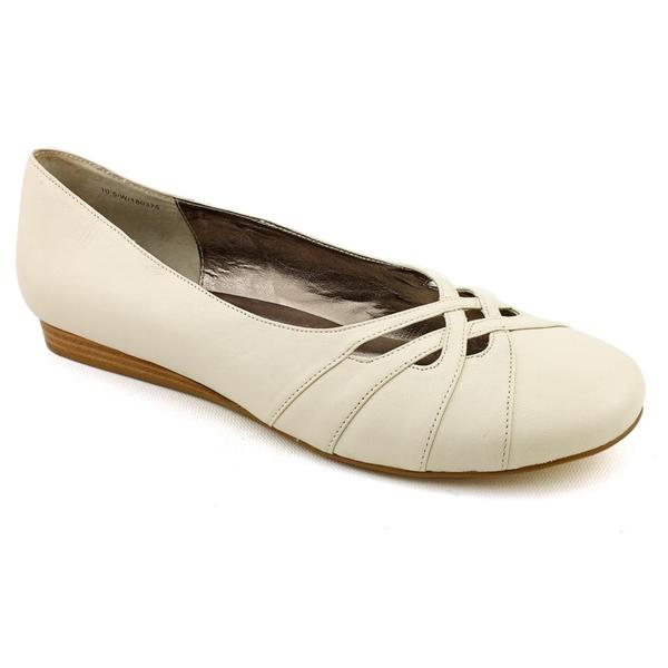 Array Women's 'Darling' Leather Casual Shoes - Wide