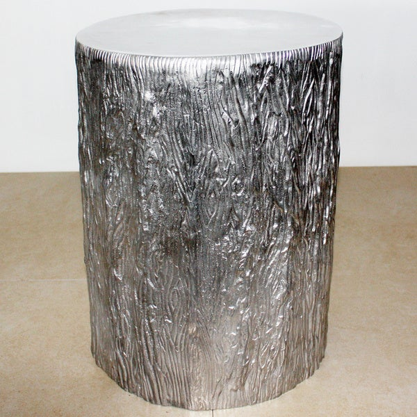 Handmade 15-inch Diameter x 20 inches High Matte Finished Recycled Aluminum Tree Stump (India)