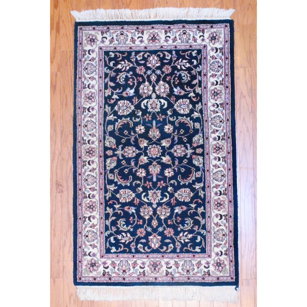 Indo Hand-knotted Kashan Green/ Ivory Wool Rug (3' x 5')