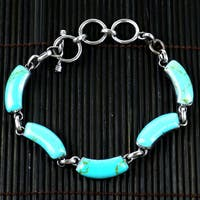 Handmade Mexican Alpaca Silver and Turquoise Curve Bracelet (Mexico)