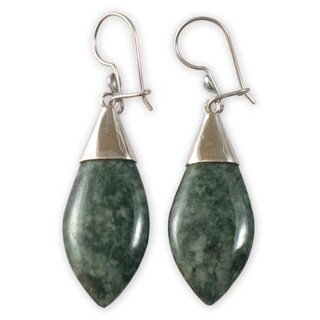 Handmade Sterling Silver 'Maya Lance of Afterlife' Jade Earrings (Guatemala) - Green