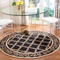 """Safavieh Hand-hooked Trellis Black/ Beige Wool Rug - 5'6"""" x 5'6"""" round"""