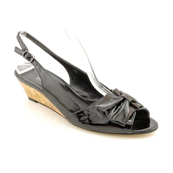 Vaneli Women's 'Britnee' Patent Leather Dress Shoes - Narrow