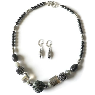 'Zephyr' Necklace and Earring Set